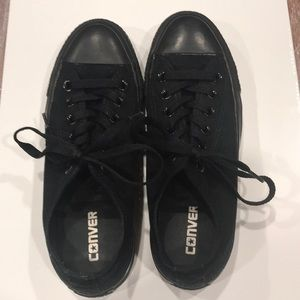 Converse Sneakers - Solid All Black